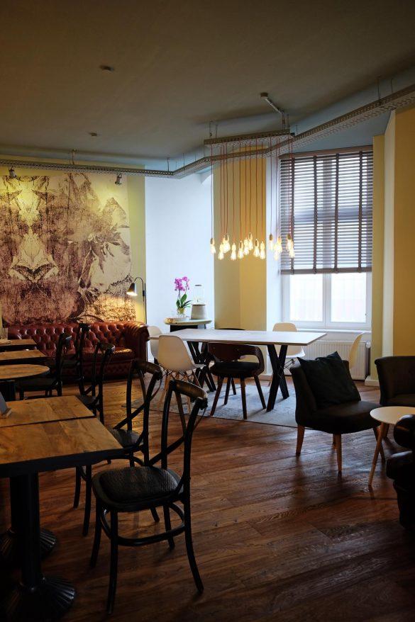 coffee shop berlin friedrichshain