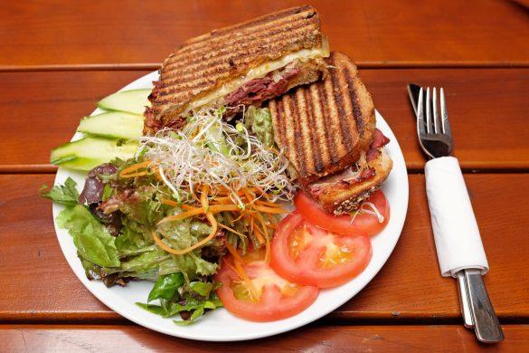 berlin mitte cafe sandwich salat