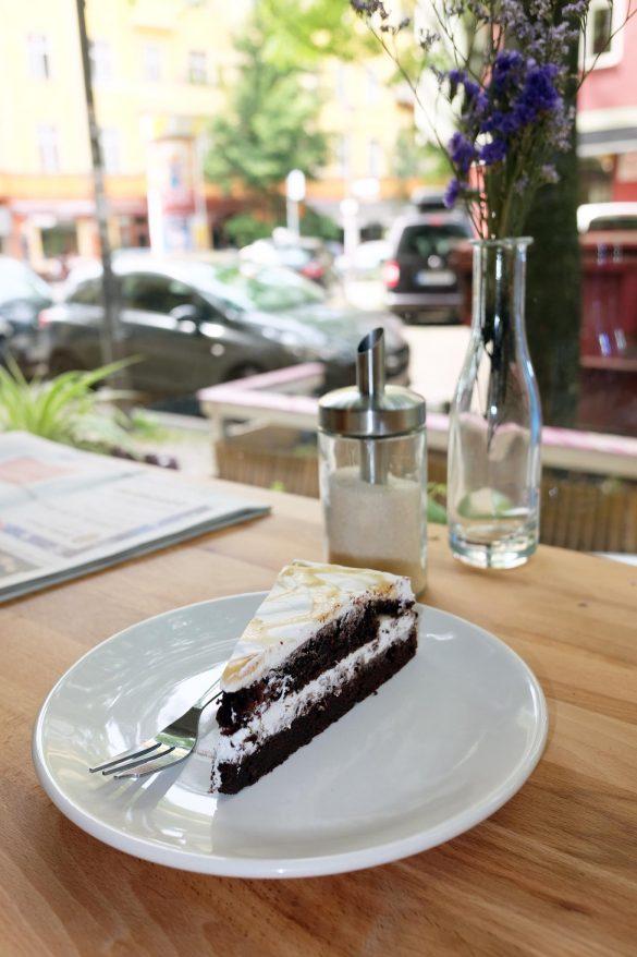 vegan kuchen cafe berlin friedrichshain