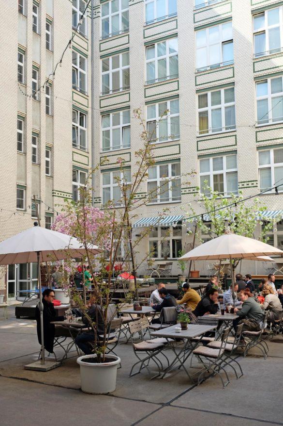 lunch berlin friedrichshain warschauer brücke oberbaum